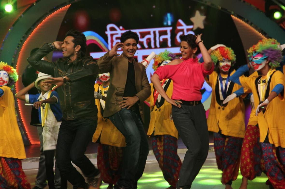 Paras_Tomar_on_the_sets_of_Hindustan_Ke_Hunarbaaz